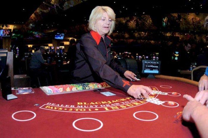 Critics lament gamblers' tips paying casino workers' salaries ...