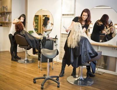 Roles & Responsibilities of a Sales Representative at a Beauty ...