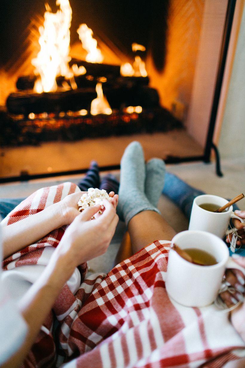 Autumn Interior Decor tips for Fall decor, interior decor ideas to steal! :) Fireplace, blanket cozy autumn chill