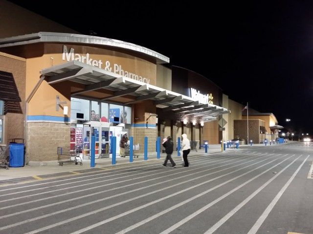Walmart's Experiment Is Over: Greeters Are Returning For Good ...