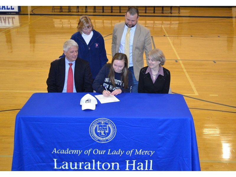 National Letter of Intent Signing at Lauralton Hall. - Milford, CT ...