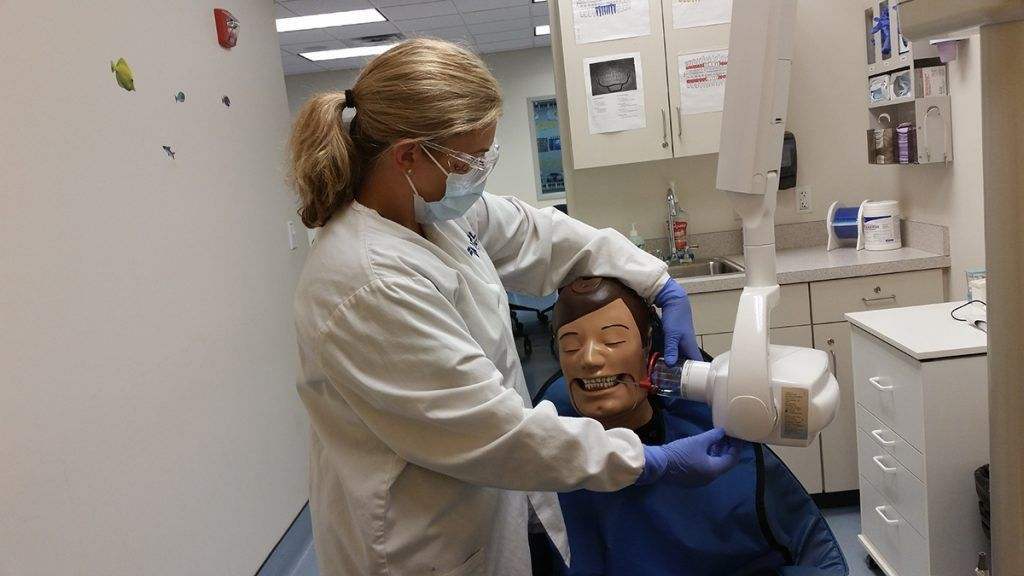 Dental Assistant Jobs Are Growing in Massachusetts - Lincoln Tech ...