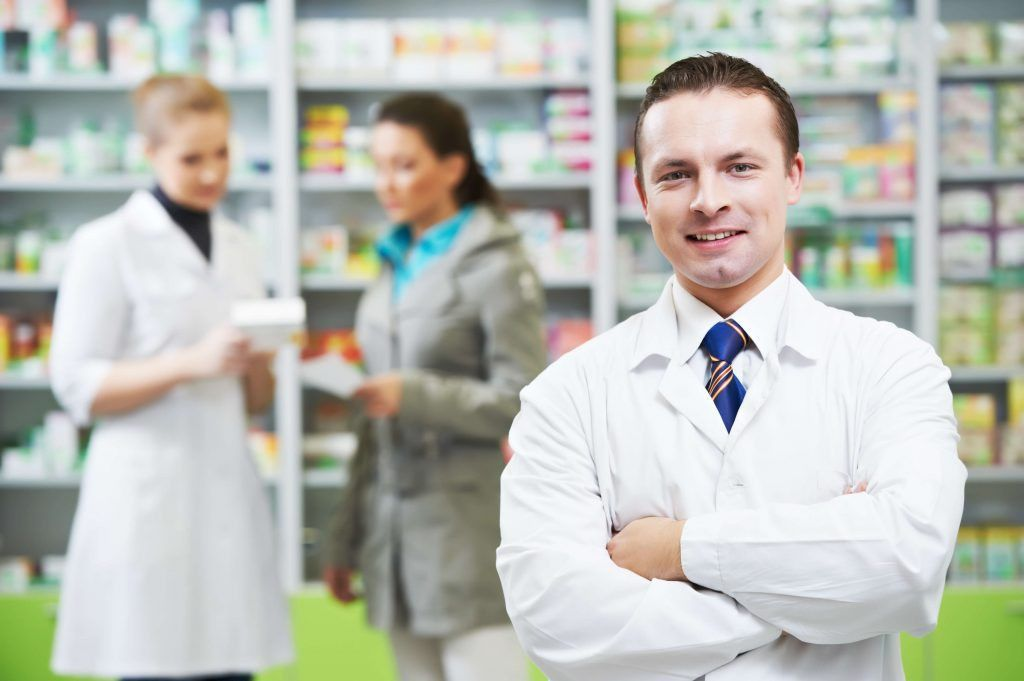 Pharmacy Technician Job Description, Qualifications, and Career
