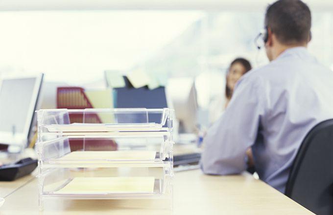 Financial Advisor vs. Financial Planner | Investopedia