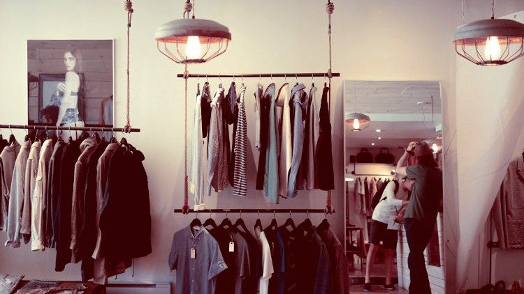 How to become a Personal Shopper | reed.co.uk