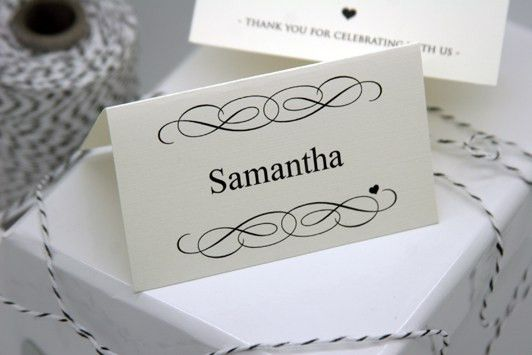 FREE DIY Printable Place Card Template and Tutorial - Polka Dot Bride