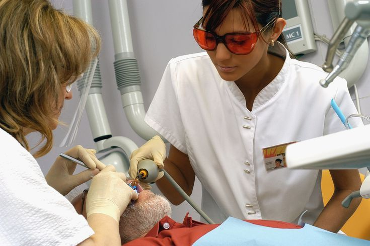 Dental Assistant - Career Information