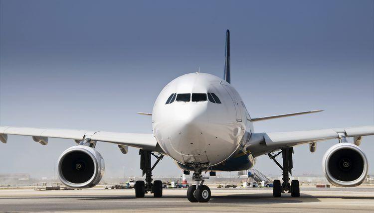 Aircraft Lineman Job Description | Career Trend