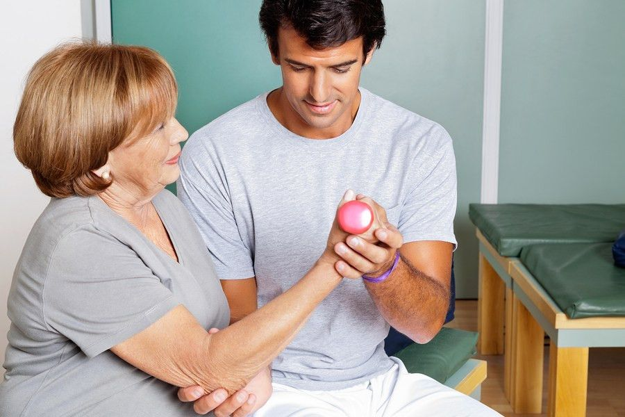Physical Therapist Aides Job, Salary, and School Information ...