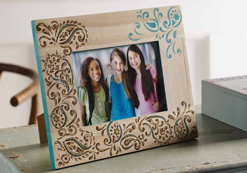 Paisley Delight Stencil Frame - Project | Plaid Online
