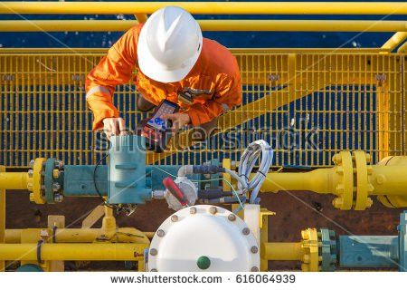 Oil Rig Worker Stock Images, Royalty-Free Images & Vectors ...