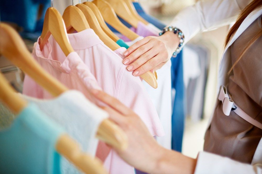 How to Become a Personal Shopper and a Fashion Store Assistant ...