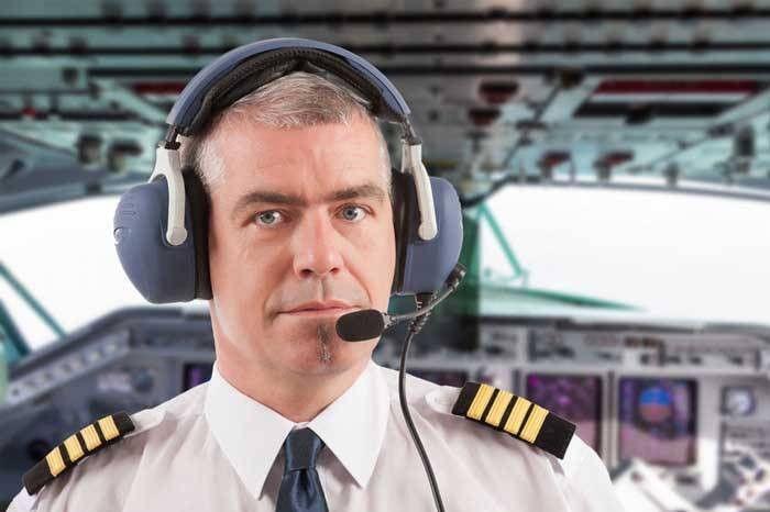 Radiologist Responds to In-Flight Emergency, Hedges, Asks Pilot to ...
