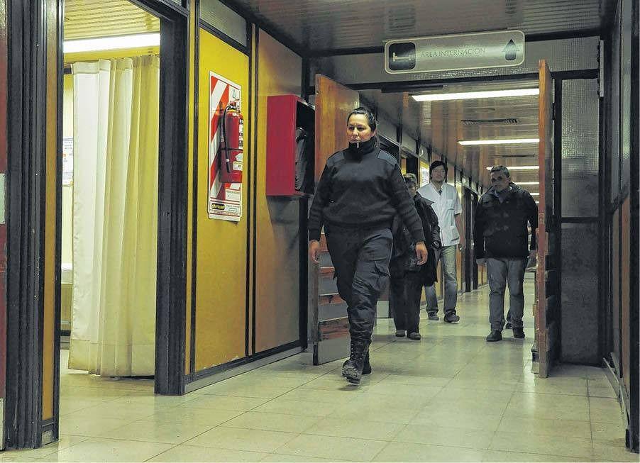 Penna: dos policías ya custodian el hospital