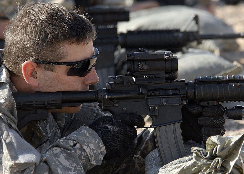 File:US Navy 081127-N-6278K-161 Intelligence Specialist Second ...