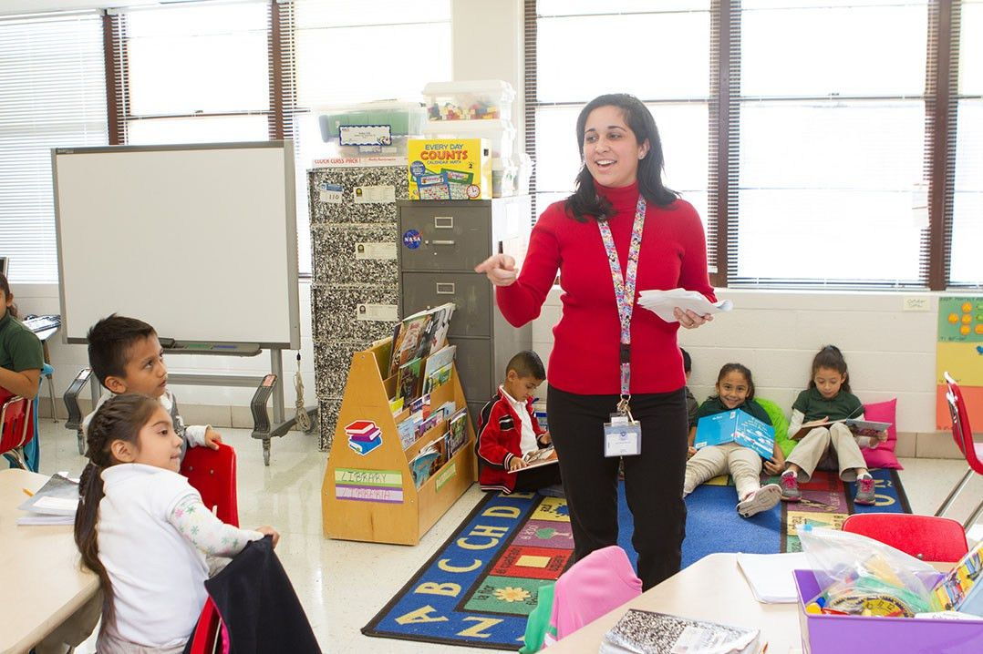 Salary range for Dallas ISD teachers increases to $50,000-$90,000 ...