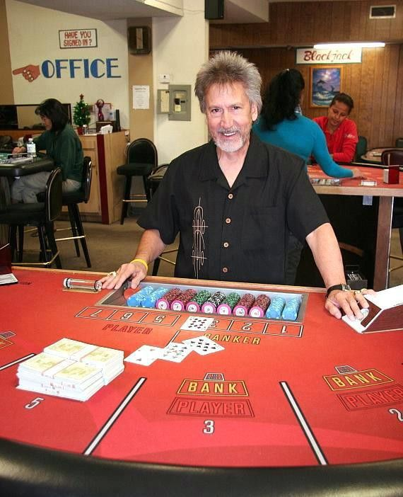 Working as a Casino Dealer | Learn to deal Blackjack, Craps ...