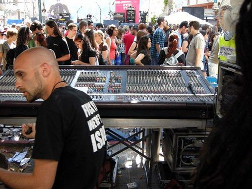 Live Sound Engineer – Job description and more! - Audio Engineering