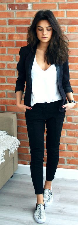 1d67e4dd59e8360e0b04159ebcba9ebd - Casual spring work outfits with sneakers 15 best outfits