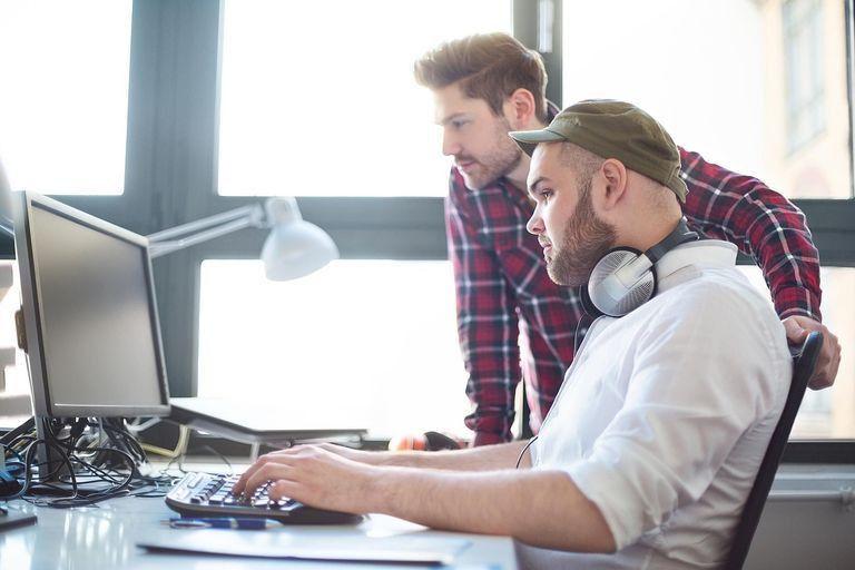 Options to consider When Getting a Software Developer – Tech NoloJet