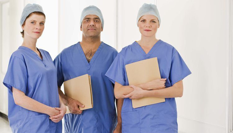 What Does a General Surgeon Do? | Career Trend