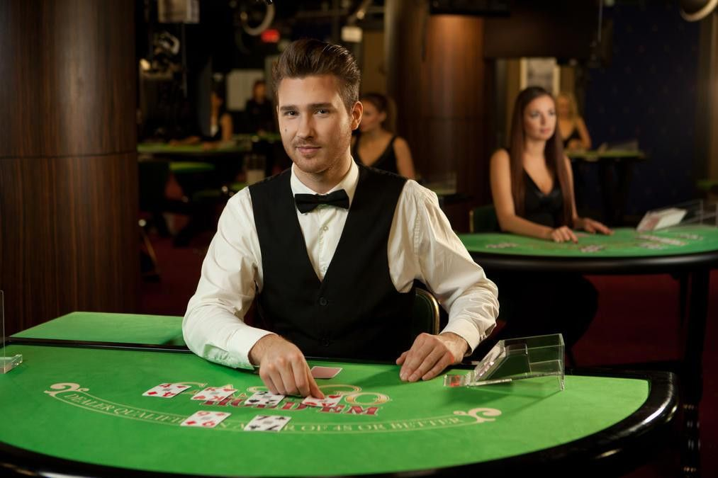 Live Casino Games: Play casino games in real time now