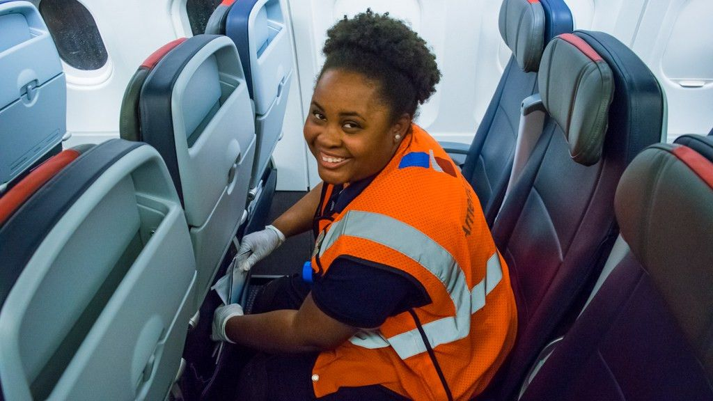 Envoy After Hours: Overnight Cabin Cleaning in Memphis | Envoy Air