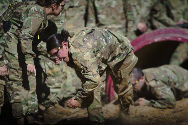Fort Benning Graduates First Gender-Integrated Infantry One ...