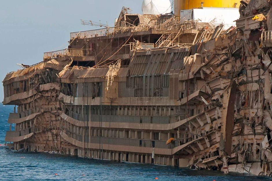 Costa Concordia: Photographer takes eerie pictures aboard ...