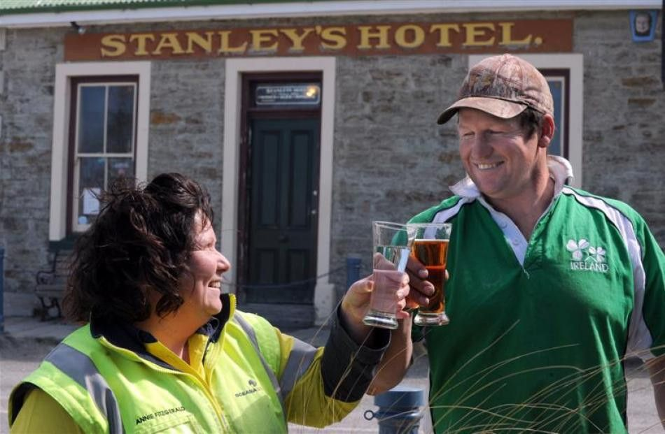 Free lease for pub with no proprietor | Otago Daily Times Online News