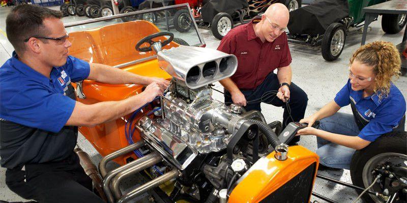 Automotive Technician School   Universal Technical Institute