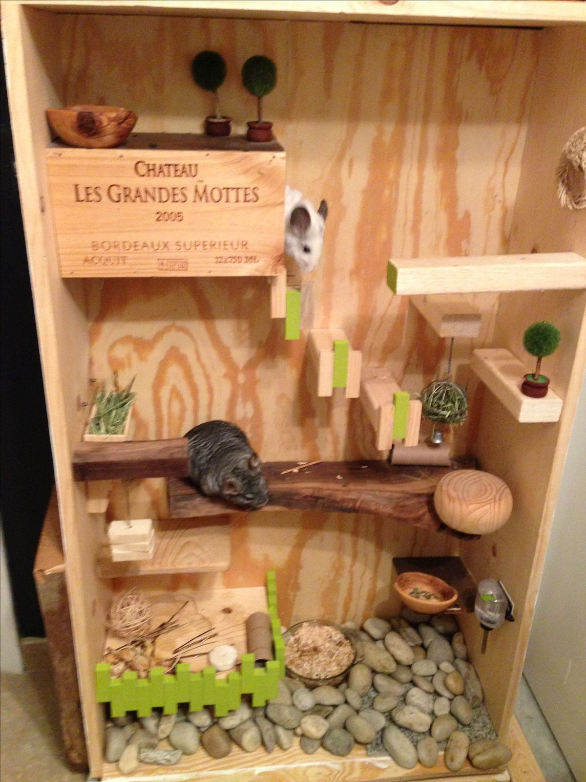 Chinchilla cage and toy ideas on pinterest for Armoire penderie style japonais