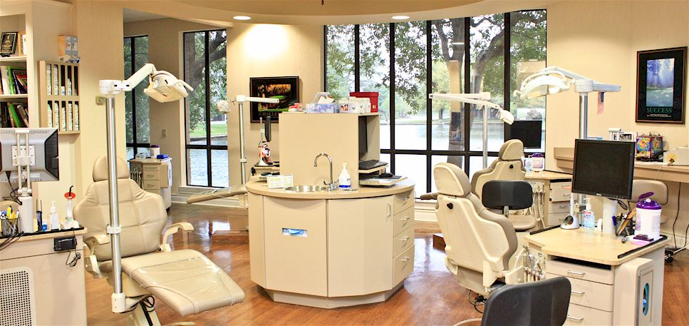 Sugar Land Orthodontist, Dr. Dennis Halford