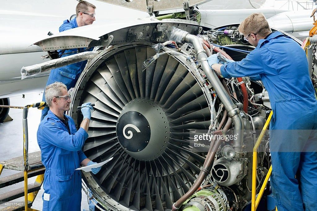 Airplane Mechanic Stock Photos and Pictures | Getty Images