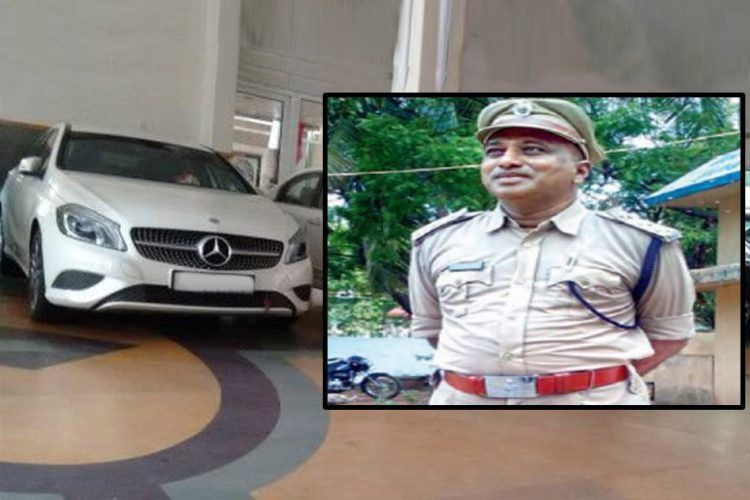 Motor Vehicle Inspector Arrested In Telangana For Acquiring ...