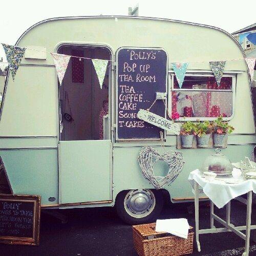 restaurer une caravane pour se faire un atelier super id e caravan trailer love. Black Bedroom Furniture Sets. Home Design Ideas