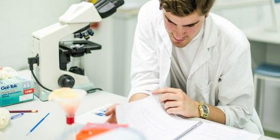 Zoology and animal science   Deakin