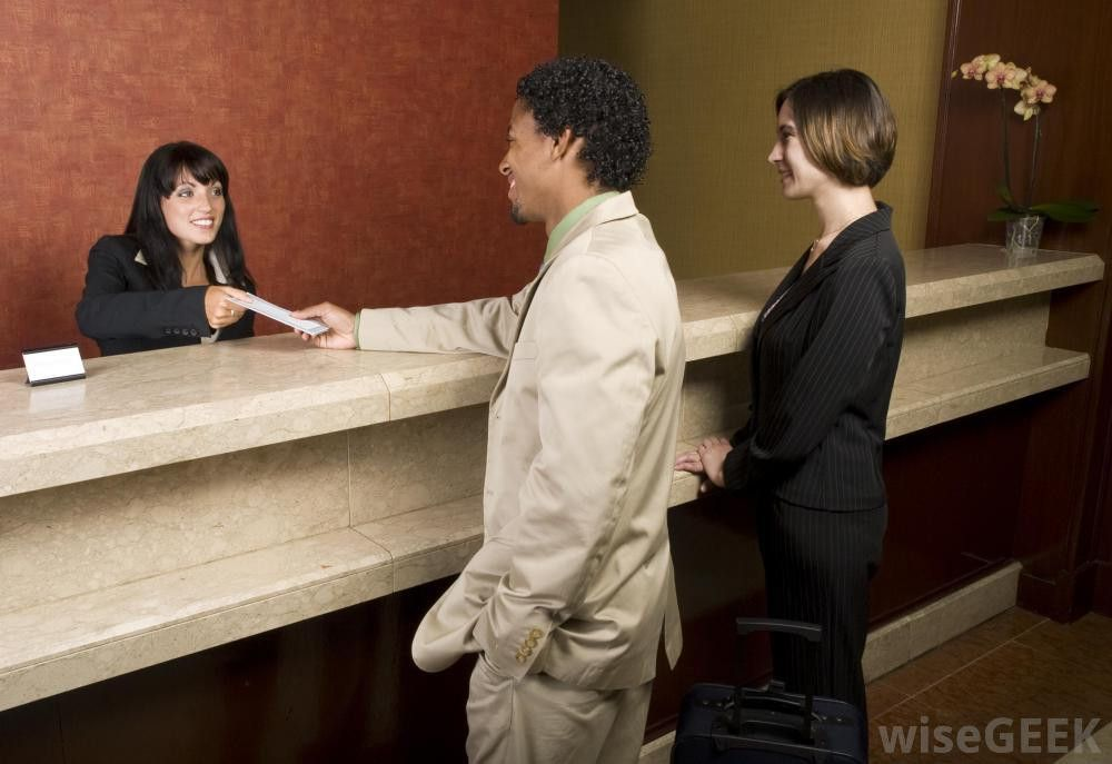 What are the Different Front Desk Receptionist Jobs?