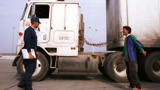 US-Mexico truck pilot opponents rally as program winds down