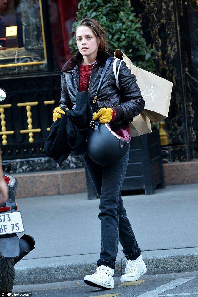 Kristen Stewart films scenes for new film Personal Shopper in ...