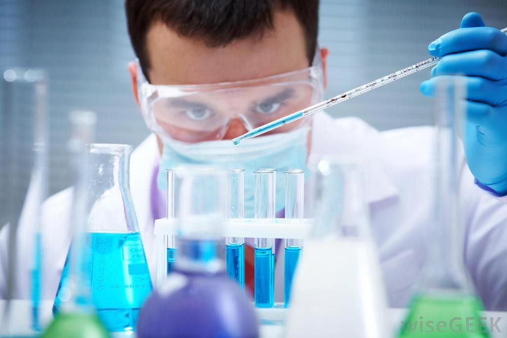 What is a Toxicologist? (with pictures)