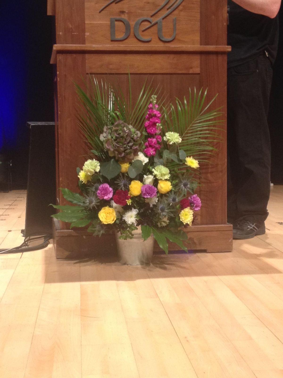 1000 images about podium arrangements on pinterest floral arrangements fall flowers and. Black Bedroom Furniture Sets. Home Design Ideas