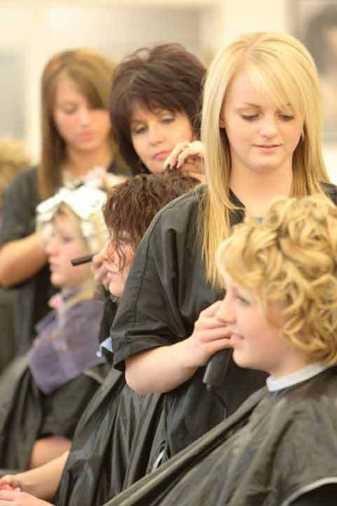 Ways to Know If Beauty School Is Right For You