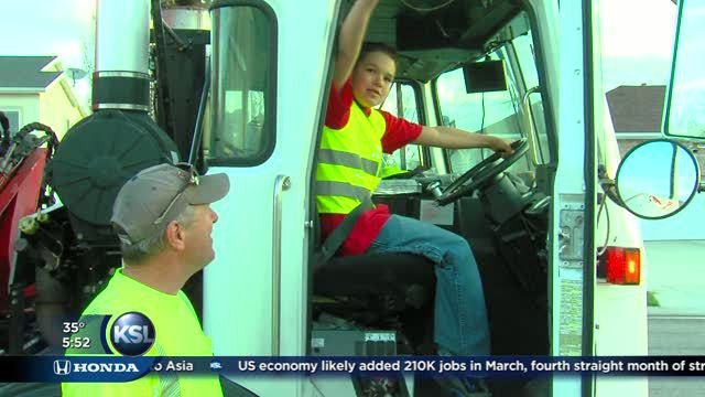 Garbage truck driver makes time for 11-year-old boy, wins a High 5 ...