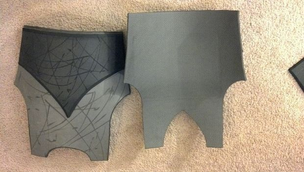 Creating a Costume/Cosplay From E.V.A Foam: 10 Steps