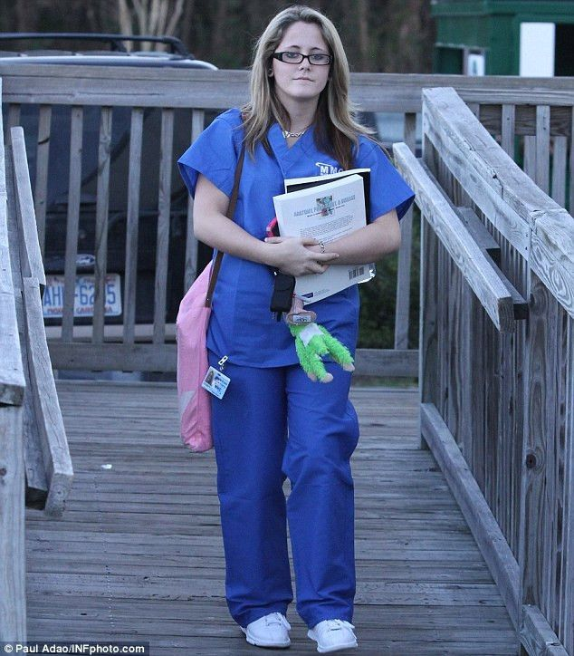Teen Mom wild child Jenelle Evans is training to be a medical ...
