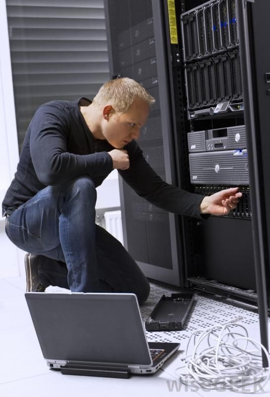 What Does a Data Center Technician Do? (with pictures)