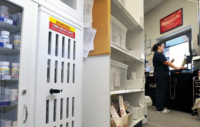 New twist at Walgreens: Time-locked safes for pain pills