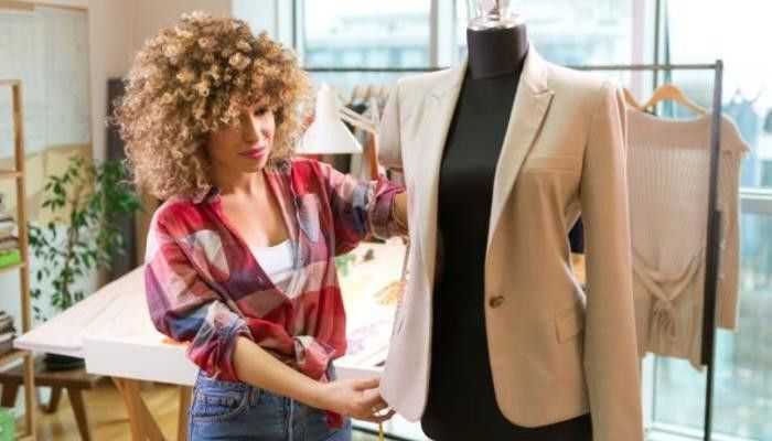 How to Write a Cover Letter for a Job in the Fashion Industry
