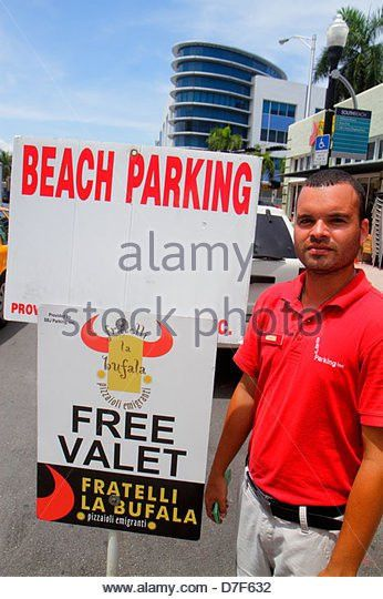 Valet Attendant Stock Photos & Valet Attendant Stock Images - Alamy